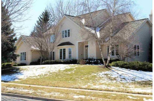 Well Appointed Stonefield Village Home